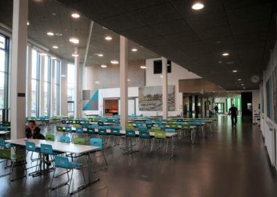Kellokosken koulun laajennus ja peruskorjaus: ruokasali - avara tila