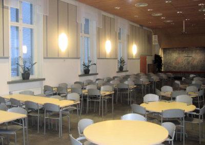 Lempäälän Kuljun srk -tila - koulun ruokasali kirkkona