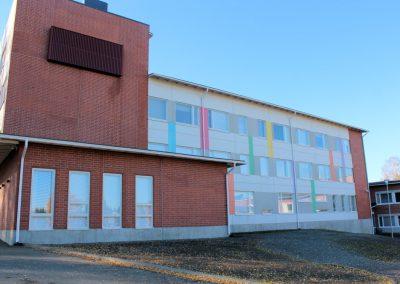 Metsäkylän koulun laajennus - julkisivu