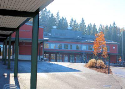 Toivion koulun laajennus / peruskorjaus -  julkisivu ja etupiha