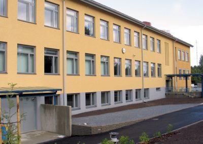 Ylöjärven yhtenäiskoulun julkisivu - muutos ja laajennus