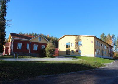 Mahnalan ympäristökoulun uusvanha rakennus